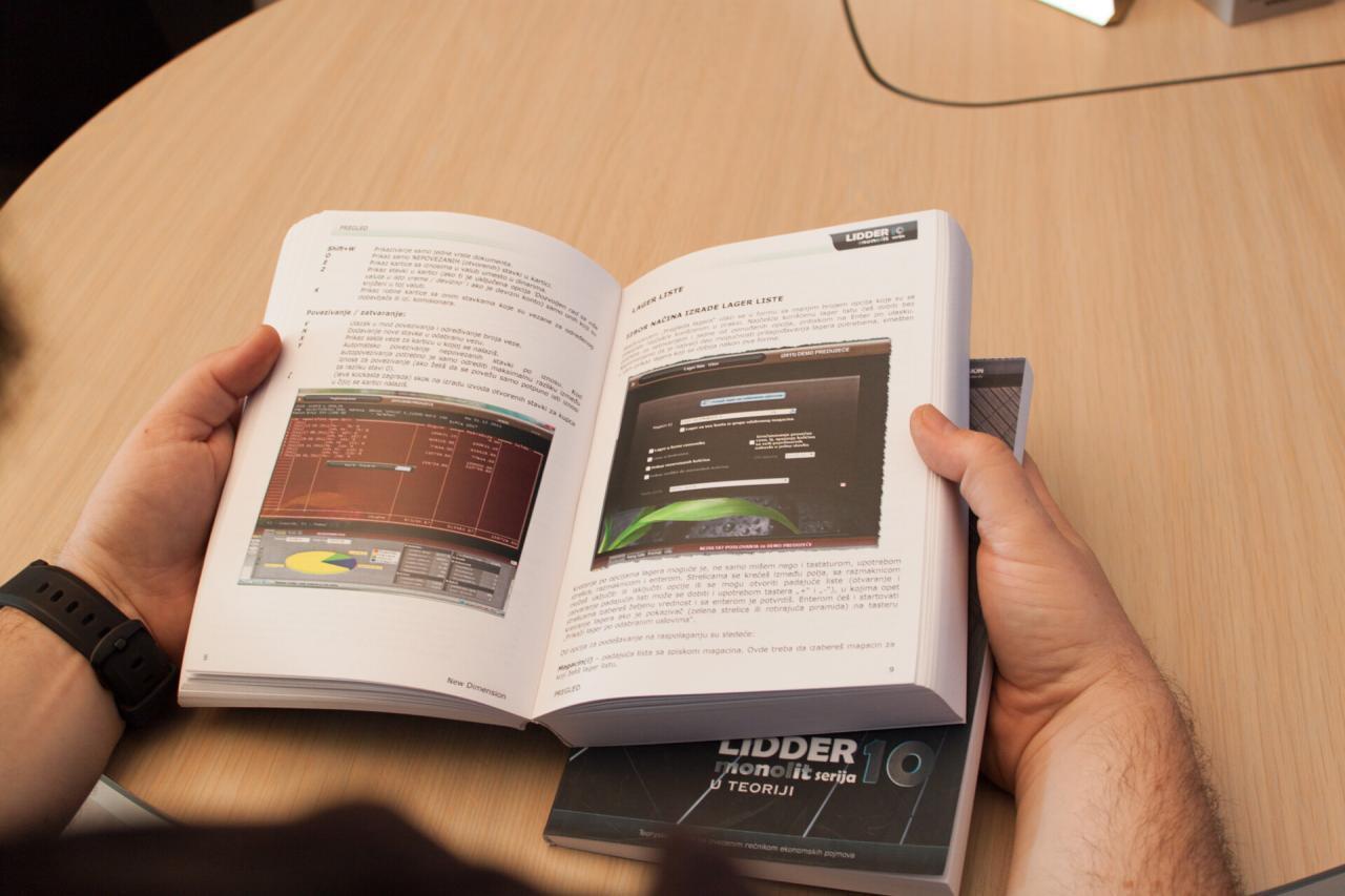 knjigovodstveni program ili poslovni softver koji ima kompletno tehničko uputstvo u formi knjige